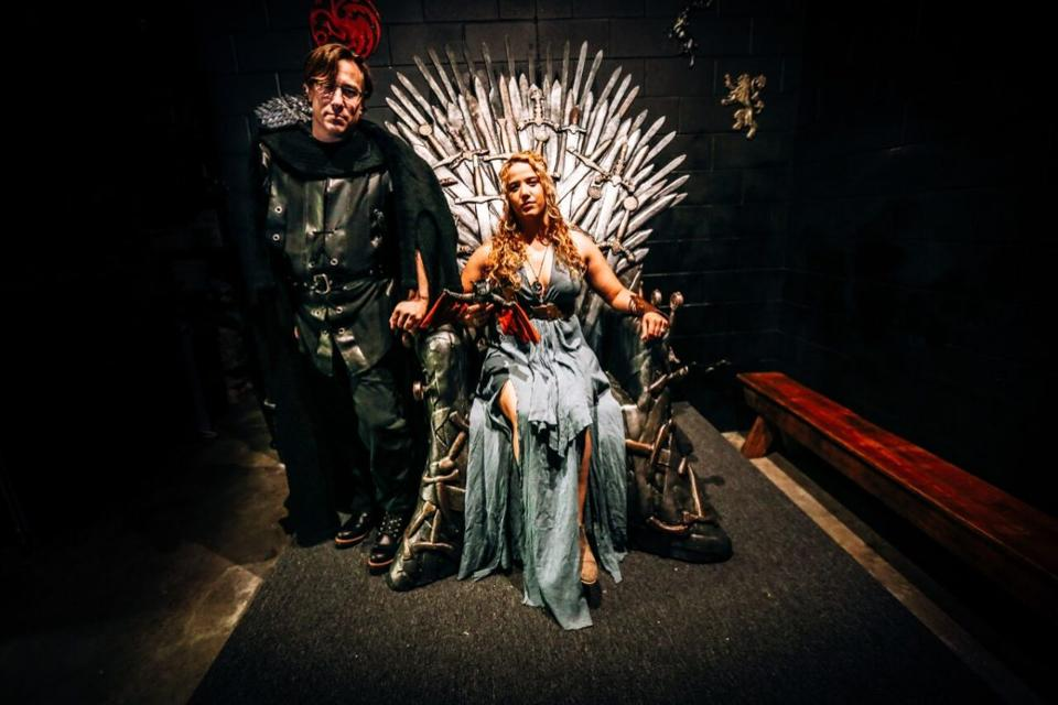 GAME OF THRONES POP UP BAR